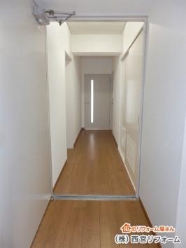 廊下もカーペットからフローリングへ