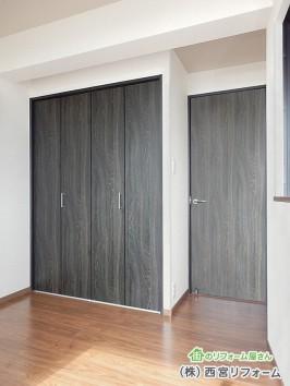 床と建具のツートンカラー