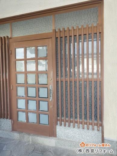 重い玄関ドアの取り替え