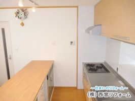 壁付けアイ型キッチン