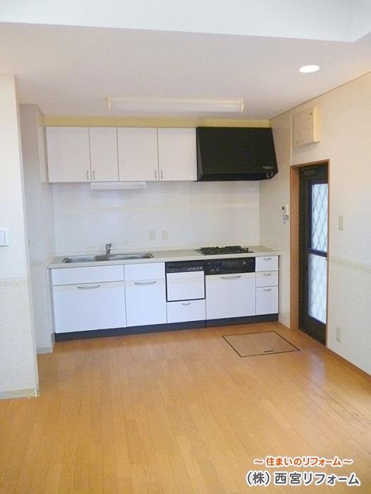 以前の壁付けI 型キッチン