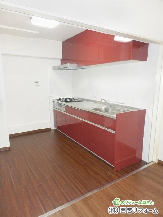 狭いスペースでも設置できるI 型キッチン